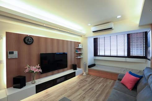 超實用機能宅:  客廳 by 微自然室內裝修設計有限公司