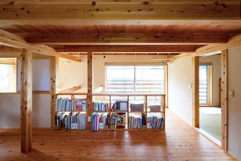 用途を限定しない多目的スペース: 株式会社 建築工房零が手掛けた和室です。