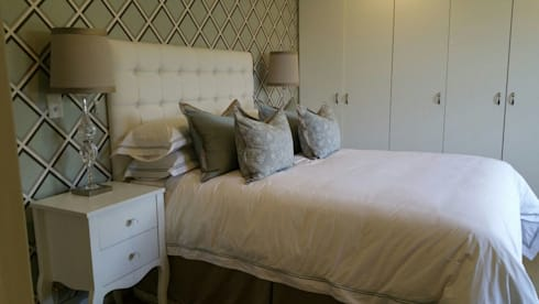 Mount Edgecombe: eclectic Bedroom by Rae Designs