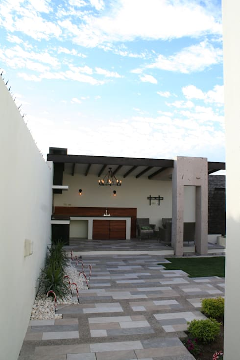 Terrace by Daniel Teyechea, Arquitectura & Construccion