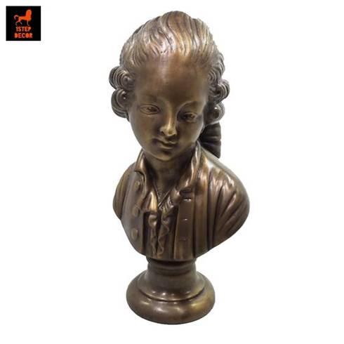 รูปปั้นทองเหลืองโมสาร์ทตอนเด็ก:   by 1STEP DECOR
