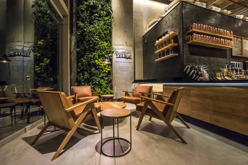 Para conversar: Oficinas y Tiendas de estilo  por Perceptual