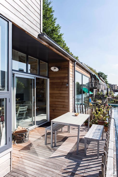 Complete make-over Amsterdamse Woonboot:  Tuin door Architect2GO