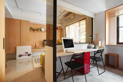 書房/客房:  書房/辦公室 by 一葉藍朵設計家飾所 A Lentil Design