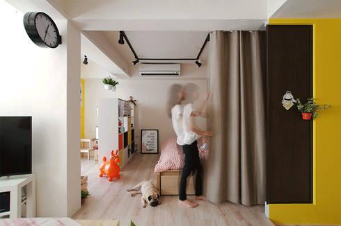 臥室:  走廊 & 玄關 by 一葉藍朵設計家飾所 A Lentil Design