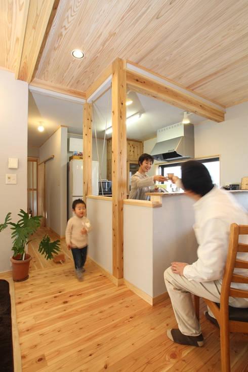 ひとつの空間に多様なスペースを: 株式会社 建築工房零が手掛けたです。