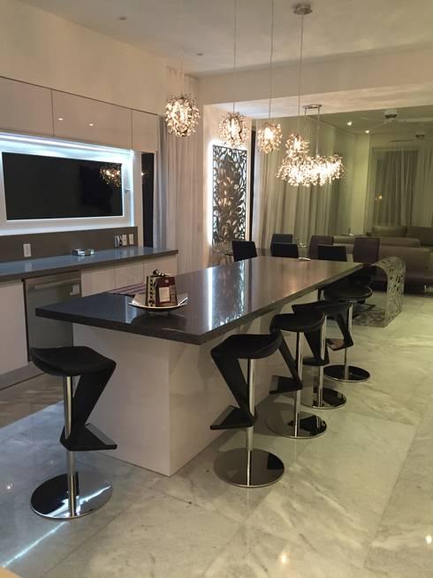 PH D Terrace zona romantica: Cocinas de estilo ecléctico por DECO designers