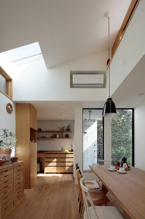 Dining room by 株式会社Fit建築設計事務所