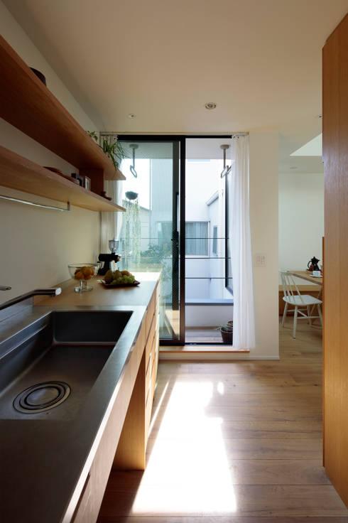 Kitchen by 株式会社Fit建築設計事務所