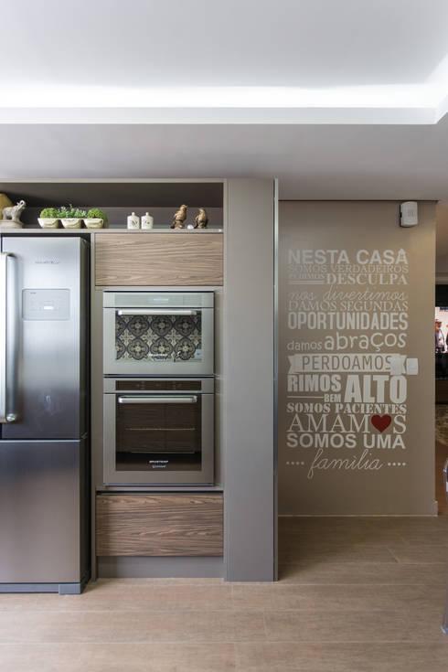 Cocinas de estilo  por Cassiana Rubin Arquitetura