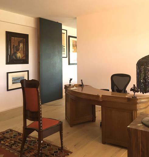 Arbeitszimmer: moderne Arbeitszimmer von angela liarikos architecture + design