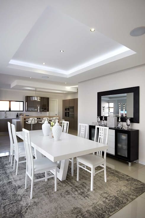 Waterfall Estate New Home: minimalistic Dining room by Blaque Pearl Lifestyle