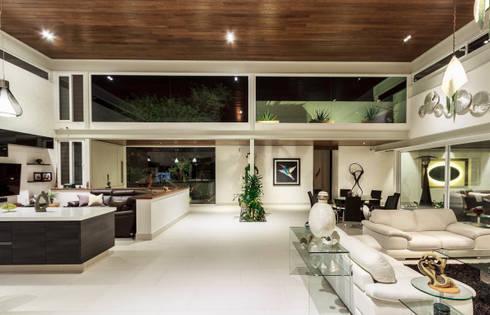 Estancia General: Salas de estilo moderno por Loyola Arquitectos
