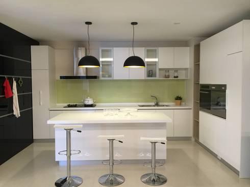 系統展示空間設計規劃:  廚房 by 延伸建築 室內設計 EXTENSION DESIGN STUDIO