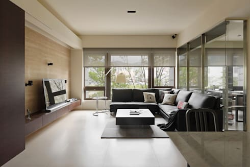 無印設計宅:  客廳 by 大荷室內裝修設計工程有限公司
