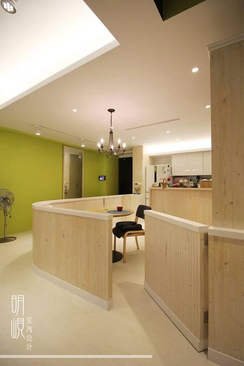 新竹 鄉村簡約:  走廊 & 玄關 by 明峴室內設計