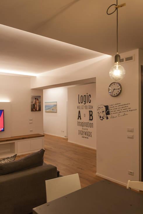Salon de style  par Architettura & Interior Design 'Officina Archetipo'