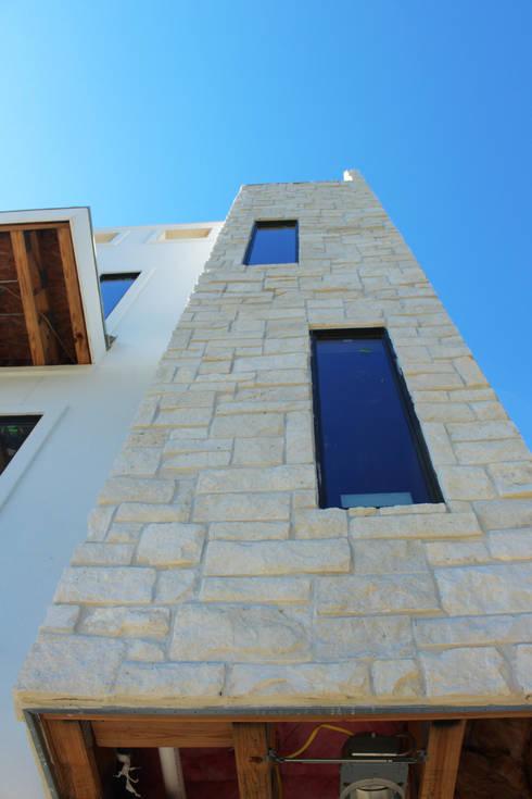 Fotos varias: Casas de estilo moderno por Banda & Soldevilla Arquitectos