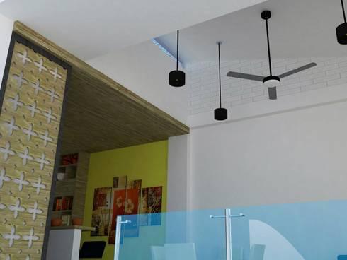 Detalle de cielos falsos en sala y cocina.: Salas de estilo moderno por TALLER 9, ARQUITECTURA