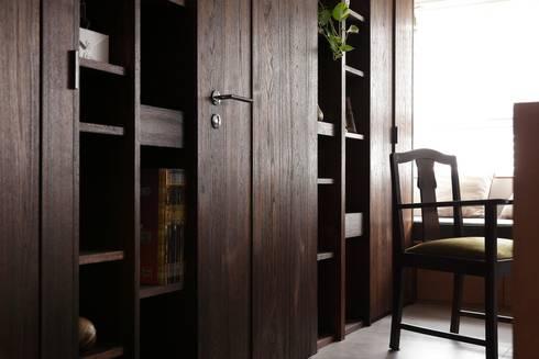 洗滌身心。療癒自然宅:  書房/辦公室 by 大荷室內裝修設計工程有限公司
