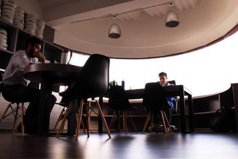 OFICINAS FUNDACIÓN REVEL: Oficinas y Tiendas de estilo  por santiago dussan architecture & Interior design