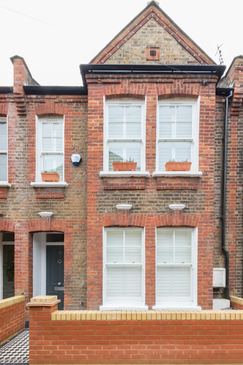 Major renovation, extension and loft. Fulham W6: classic Houses by TOTUS