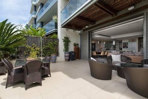Apartment Robertson—Pembroke:  Patios by Covet Design