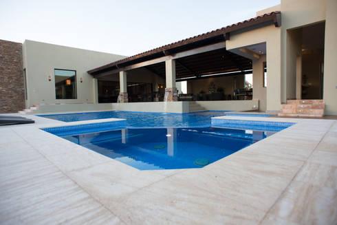 modern Pool by TAMEN arquitectura