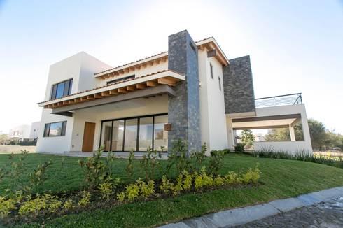 Campanario Purisima 204: Casas de estilo moderno por Arquitectura MAS