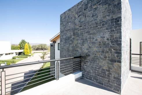 Campanario Purisima 204: Terrazas de estilo  por Arquitectura MAS