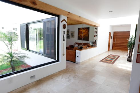 Balvanera St. Andrews: Pasillos y recibidores de estilo  por Arquitectura MAS