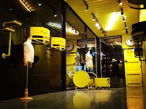 鹿港仿貨櫃屋室內設計:  玄關、走廊與階梯 by 貨櫃屋設計狂人