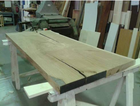 Tavolo legno resina led di fabiola ferrarello architetto for Tavolo legno resina