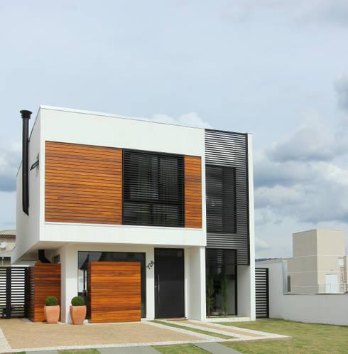 Casas de estilo moderno por Taguá Arquitetura+Design
