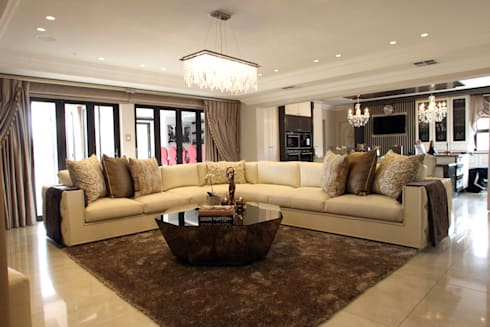 Ebotse Estate: classic Living room by Tru Interiors
