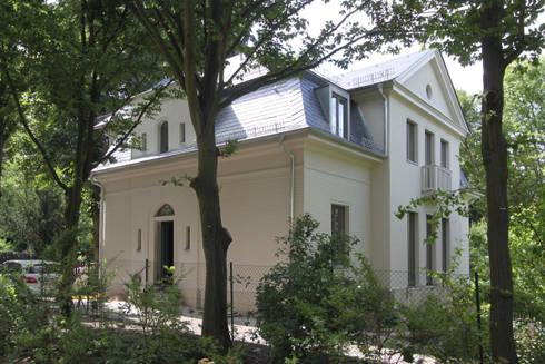 north facade: classic Houses by brandt+simon architekten