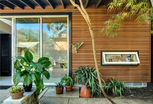 Studio Retreat, New Orleans: minimalistic Houses by studioWTA