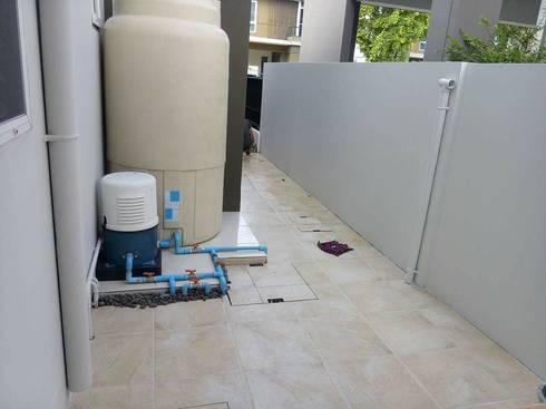 ต่อเติมห้องครัว + โรงรถ + 1 ห้องโถง:   by รับเหมาก่อสร้าง