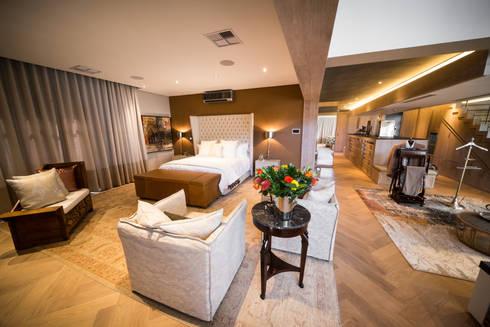Upmarket home in Johannesburg: eclectic Bedroom by Kim H Interior Design