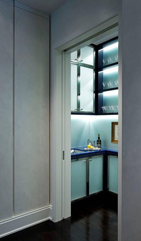 Bar : classic Wine cellar by Douglas Design Studio