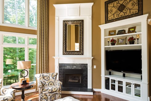 Stunning Family Room in Fairfax Station: eclectic Living room by Lux Design Associates