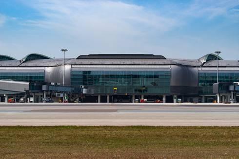 HKIA Midfield Concourse, Hong Kong, by Aedas:  Airports by Aedas