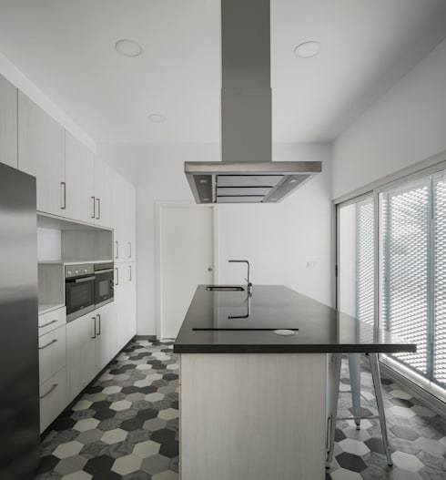Kitchen by FAQ arquitectura
