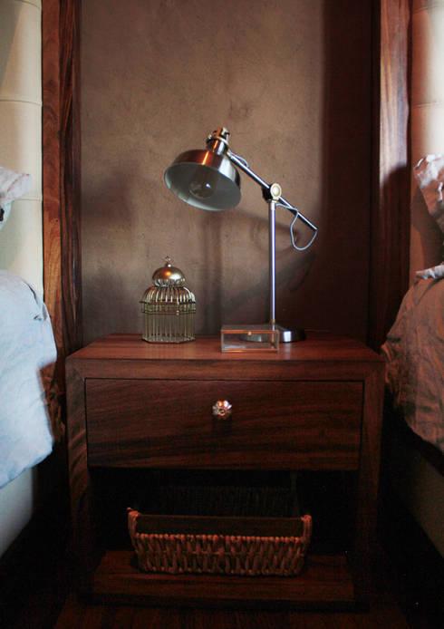 CABAÑA EN TAPALPA: Recámaras de estilo rústico por MORADA CUATRO
