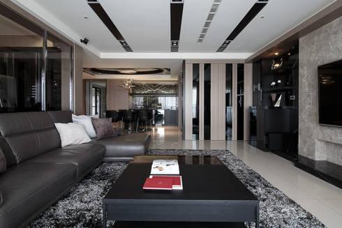 時尚經典-廖公館:  客廳 by IDR室內設計
