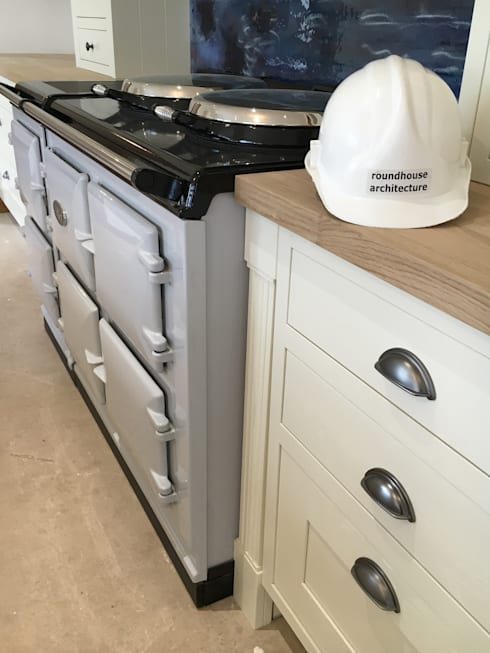 Кухни в . Автор – Roundhouse Architecture Ltd