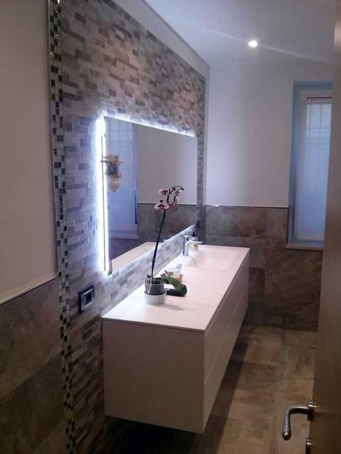 Baños de estilo  por Seresi Arredo Bagno