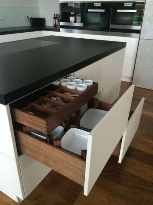 Кухни в . Автор – Ebbecke GmbH - excellent einrichten