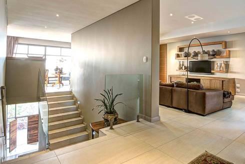 House Auriga: modern Media room by Swart & Associates Architects