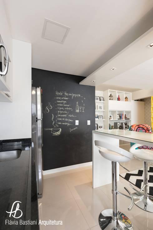 Sala De Estar Jovem ~ SALA DE ESTAR PARA JOVEM CASAL Cozinhas ecléticas por Flávia
